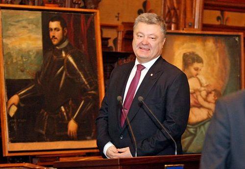 Порошенко утверждает, что не знает сути дела Насирова