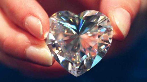 Ограновані ювелірні алмази називають діамантами