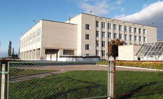 У конотопській школі розгорівся скандал через вчинок завуча