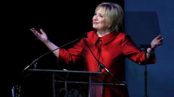 Хиллари Клинтон впервые за долгое время появилась на людях