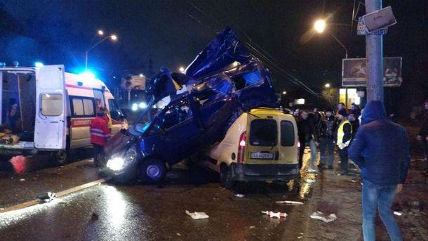 Фото с места аварии в Киеве