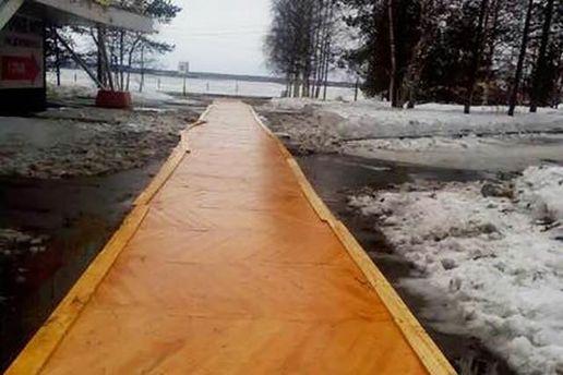 В России паркет кладут прямо на тротуар