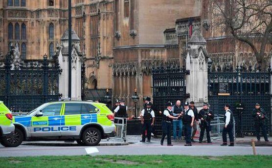 Под британский парламент прибыла полиция