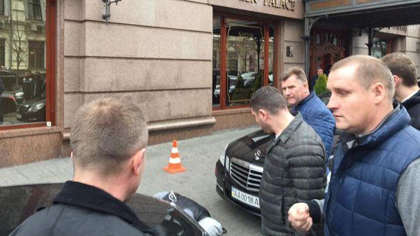 На месте убийства Вороненкова