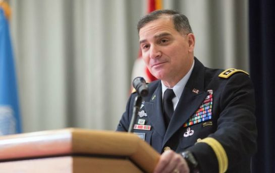 Генерал Кертіс Скапаротті