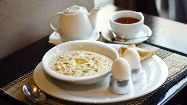 Правильний сніданок - у першій годині після сну
