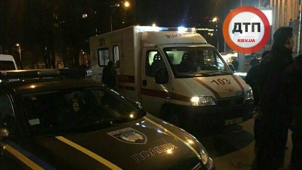 Полиция и медики на месте стрельбы