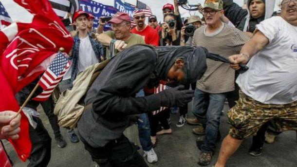 В США подрались из-за Трампа
