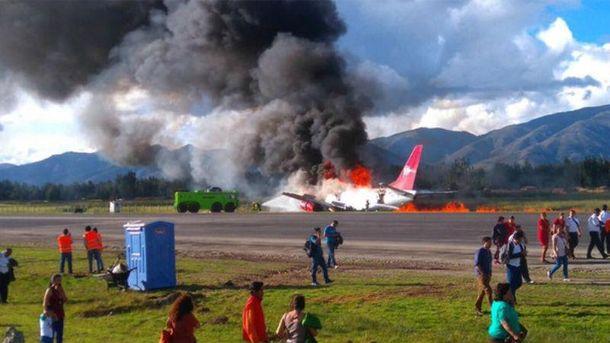 Фото с места аварии самолета