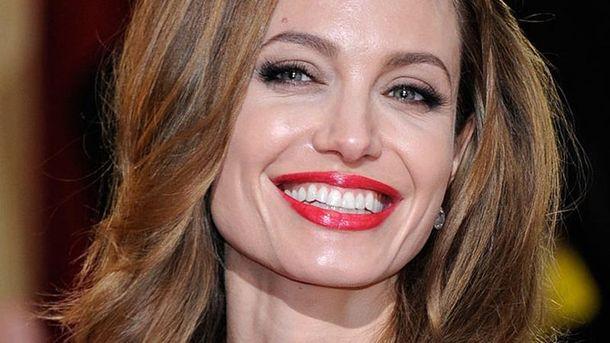 Анджелина Джоли сейчас счастлива