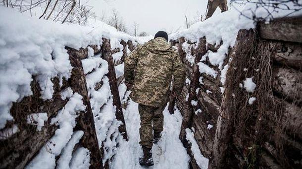 Військові ЗСУ в окопі