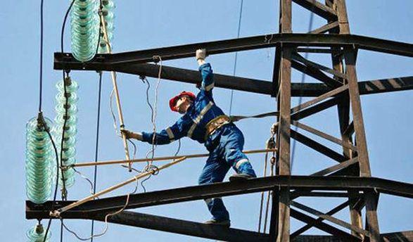 Ремонтники працюють над відновленням електропостачання до Авдіївки
