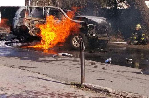 Автомобиль взорвался и сгорел в Донецкой области