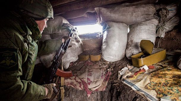Військовий у бліндажі