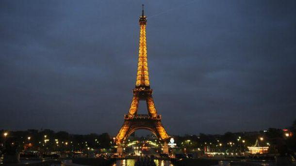 Если вы уже в Париже, обязательно поднимитесь на Эйфелевую башню
