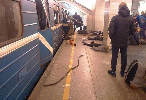 Через вибух у метро Петербурга в місті посилили заходи безпеки