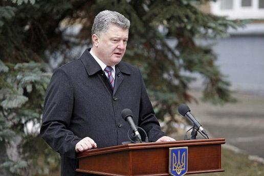 Порошенко констатировал, что боевики не соблюдают режим прекращения огня на Донбассе