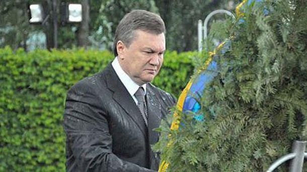 Віктор Янукович залишився без портрету коханки
