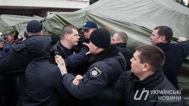 Драка на забастовке перевозчиков в Киеве