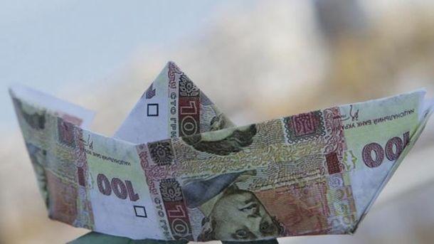 Гривна потеряла относительно обеих ключевых валют