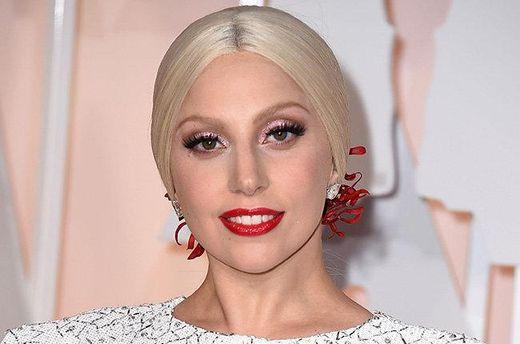 Леди Гага в рекламе украшений
