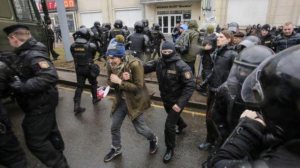 Затримання в Білорусі після мітингів