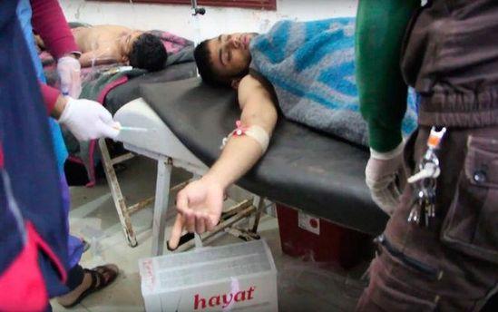 Пострадавшие от газовой атаки в Сирии