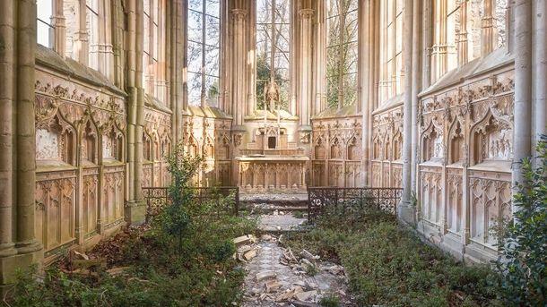Храм у Франції, сьогодні в стані ремонту