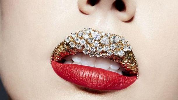 Украинка создала самый дорогой макияж вмире с применением 80 бриллиантов
