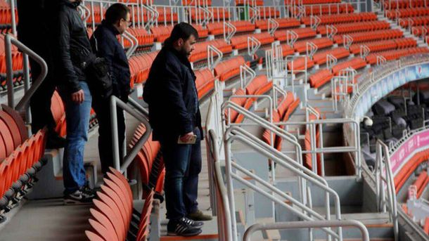 Боевики на стадионе