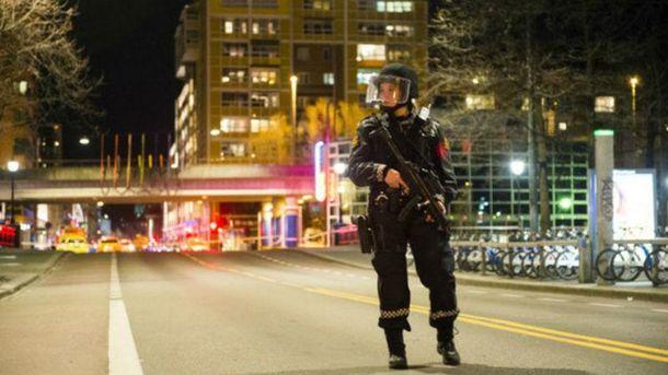 Робота поліції на місці інциденту в Осло