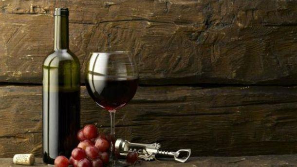 Росіян змусили забрати кримські вина зі свого стенду
