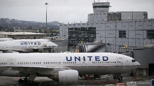 United Airlines попали в очередной скандал