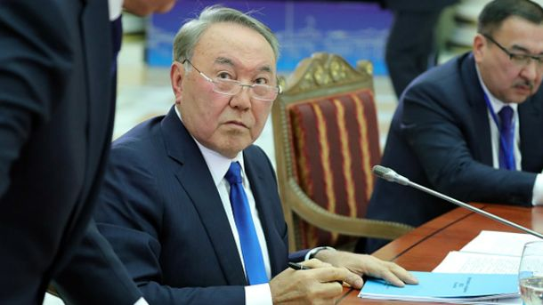 Казахстан повертається до латинки