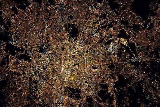 Париж. Вид з космоса