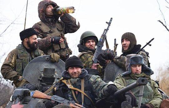 Бойовики на Донбасі масово вживають алкоголь та наркотики
