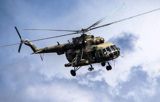 Российские Ми-8  проводят разведку над Крымом