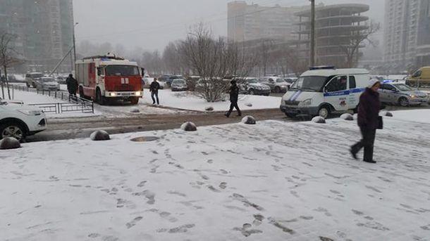 На месте инцидента работали оперативно-следственная группа и пожарные