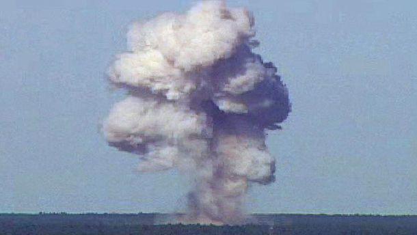 Взрыв бомбы GBU-43