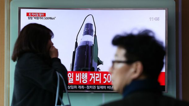 КНДР знову брязкає своїми балістичними ракетами