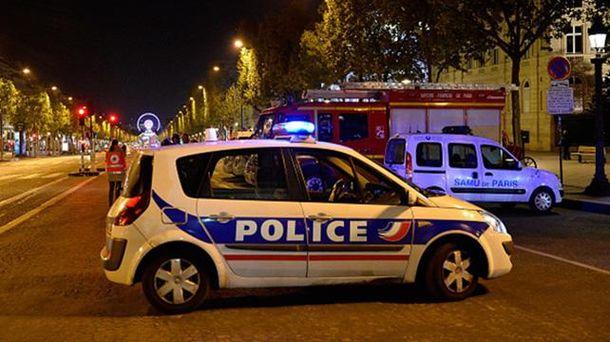 Место нападения на полицейских в Париже