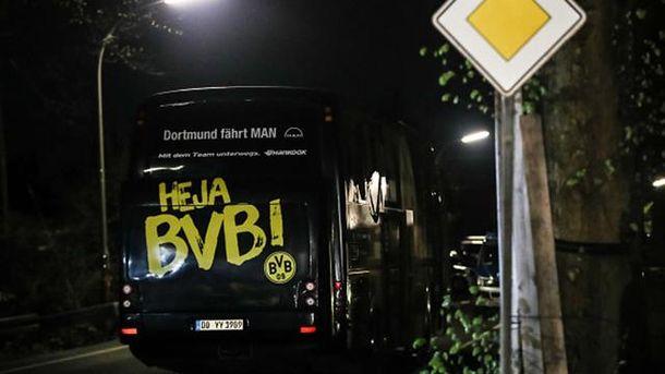 Напавший взорвал бомбу возле автобуса футболистов