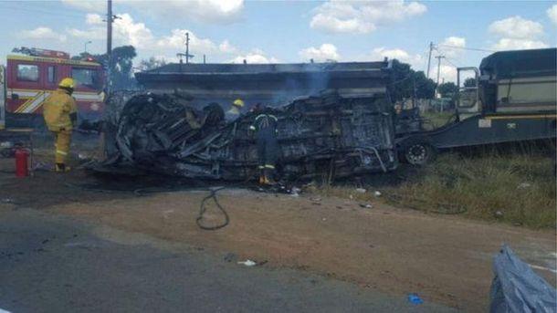 20 детей сгорели заживо в ужасной аварии в ЮАР