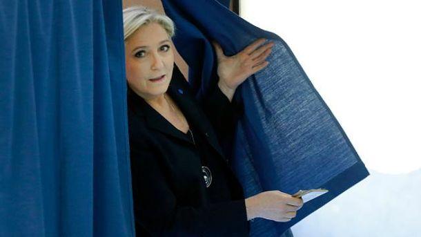Марін Ле Пен голосувала однією з останніх