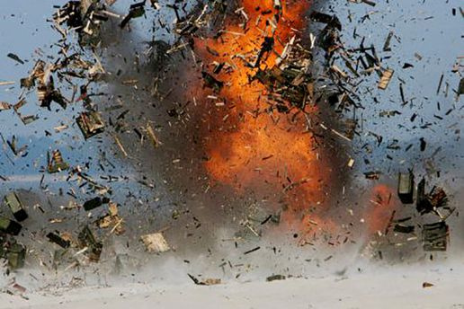 Неизвестные взорвали военкомат боевиков в Луганске