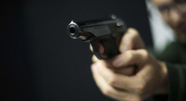 Мужчина отвез женщину в лес и застрелил, как во время казни