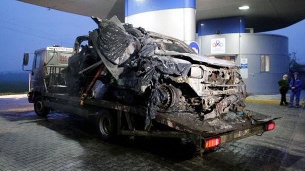 Залишки автомобіля ОБСЄ, який підірвався на Луганщині