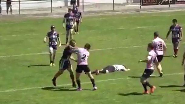 Матч юніорських команд у Франції завершився масовим побоїщем та нокаутом проти судді