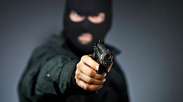 Некоторые из нападавших на работников госсвязи имели пистолеты
