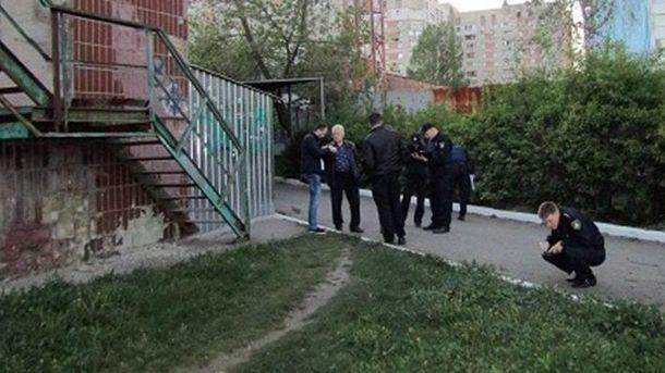 Правоохоронці оглянули територію та вилучили залишки невстановленого предмета